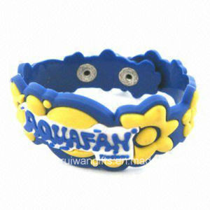 3D Logo Soft PVC Rubber Bracelet (BR014) pictures & photos