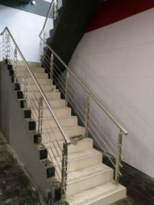 SUS 304 Stainless Steel Balcony/Staircase Railing pictures & photos