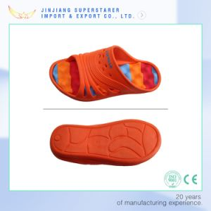 EVA Kids Holey Wave Children Beach Slipper pictures & photos