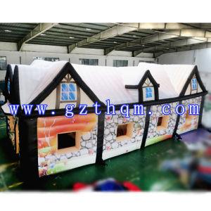 Merry Christmas Inflatable Santa′s Grotto House/Inflatable Christmas Bouncer House pictures & photos