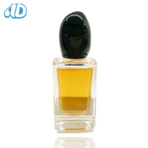 Ad-P200 Square Glass Perfume Bottle Inside Lacquering Polished pictures & photos