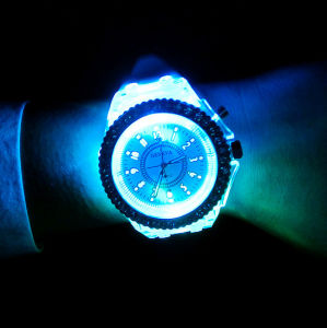 Mens Geneva Diamond Women Crystal LED Light Watch pictures & photos