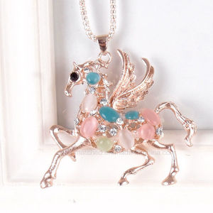 Cat′s Eye Sweater Chain Fashion Rhinestones Women′s Accessories Necklace pictures & photos