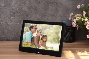 10 Inch Digital Photo Frame pictures & photos