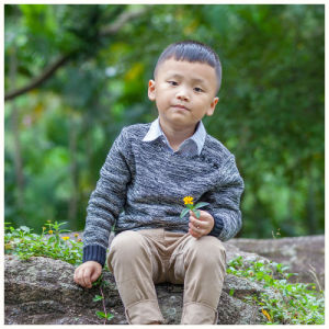 Children Clothing Kids Sweater for Boys pictures & photos