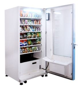 Food and Beverage Vending Machine (LV-205C) pictures & photos