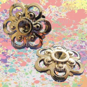 Unique Flower-Shaped Design Alloy Shank Button of Garment (SK00465) pictures & photos