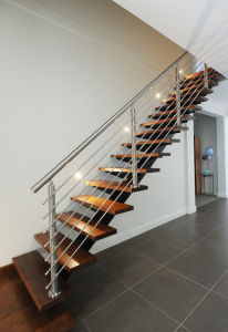 Internal Stairs with Steel Stringer Wood Treads for Homes pictures & photos
