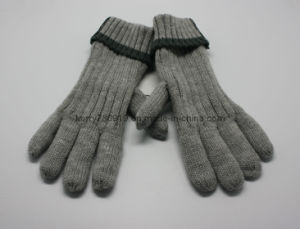 2019 Hot Acrylic Knitted Winter Glove/Warm Glove pictures & photos