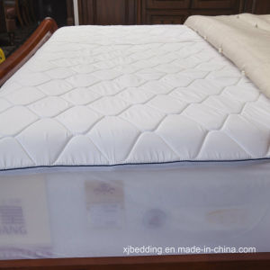 Quilted Memory Foam Bed Mattress Cover pictures & photos