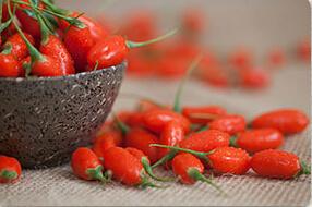 Organic Medlar / Chinese Wolfberry /Dreid Goji Berries pictures & photos