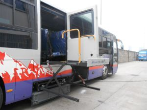 Bus Scissor Wheelchair Hoist CE Loading 350kg pictures & photos