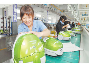 Assembly Line 1 of Vacuum Cleaner pictures & photos