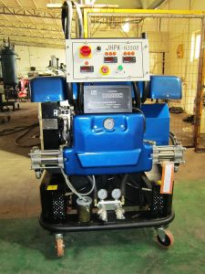 Polyurea Spray Machine pictures & photos