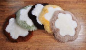 Round Long Wool Sheepskin Seat/Chair Cushion in Flower Shape pictures & photos