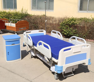 Five Functions Electric Hospital Bed ICU Bed with Ce Certificate pictures & photos