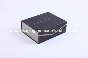 Dongguan Factory Matt Black Paper Magnetic Gift Box pictures & photos
