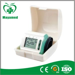 My-G029 Portable Digital Blood Pressure Monitor pictures & photos