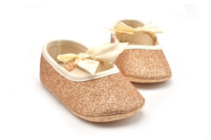 2017 Wholesale Princess Baby Shoes Indoor Toddler Baby Footwear pictures & photos