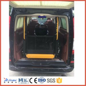 Ce Certified Electric Wheelchair Lift for Van Rear Door with Load 300kg pictures & photos