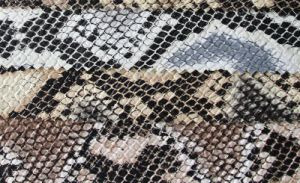 Hot Selling Printed Snake PU Upholstery Leather for Bag (H095A) pictures & photos