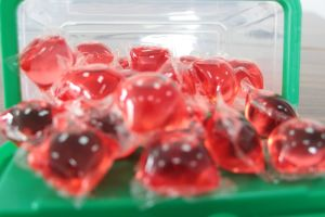 OEM & ODM Any Dyes Liquid Detergent Pod, 4X Concentrated Washing Liquid Detergent Pod pictures & photos