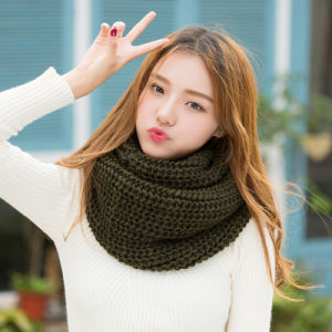 Lady Fashion Classic Acrylic Knitted Winter Neckwarmer (YKY4626) pictures & photos