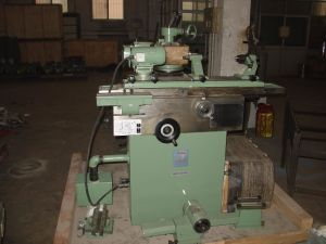 Universal Cutter & Tool Grinding Machine (TGA25) pictures & photos