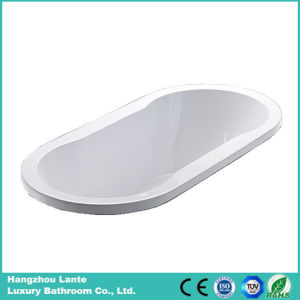 Factory Cheap Price Ellipse Acrylic Built-in Bathtub (LT-16P) pictures & photos