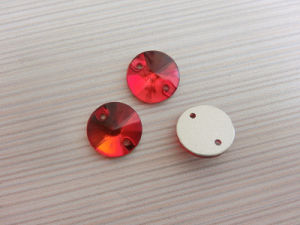Red Light Siam Flat Back Buttons Sewing Buttons pictures & photos