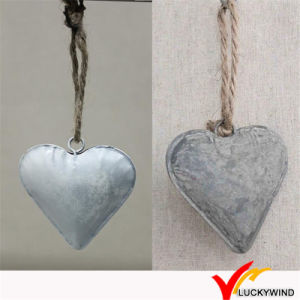 Antique Vintage Rustic Christmas Hanging Metal Heart Wall Decor pictures & photos