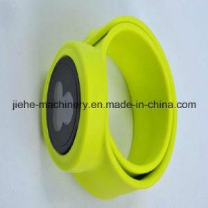 Vertical Type Automatic Rubber Bellows Injection Molding Machine pictures & photos