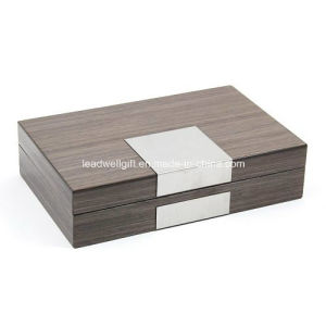High-Gloss Lacquered Finish Wood Jewelry Box pictures & photos