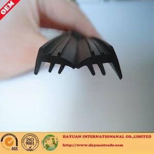 Extrusion Rubber Profile EPDM Sealing Strip pictures & photos