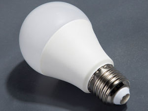 Top Rated High Brightness LED Bulb 9W 12W with Aluminum Plastic Housing pictures & photos