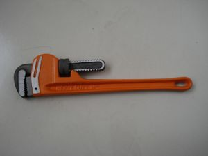 Angle Style Pipe Wrench