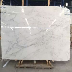 Polished/Natural/Guangxi White Marble Slab for Flooring/Bathroom Tiles/Stairs/Wall Cladding/Columns pictures & photos