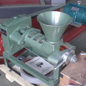 Smallest Household Oil Press (6YL-68) pictures & photos