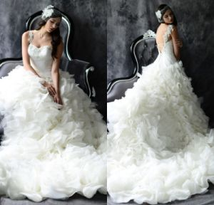 Sweetheart Bridal Ball Gown Organza Ruffles Wedding Dress HS2017 pictures & photos