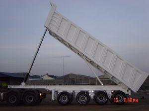 45cbm 4 Axles Hydraulic Tipper Semi Trailer pictures & photos