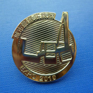 Uneven Metal Lapel Pin, Custom Organizational Badge (GZHY-LP-022) pictures & photos