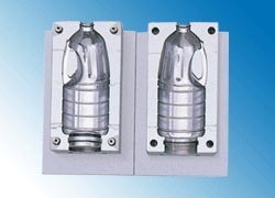 Blow Mold (PET bottle mold) pictures & photos