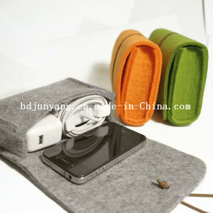 Hot Selling Custom Small Felt Shell Cosmetic Bag pictures & photos