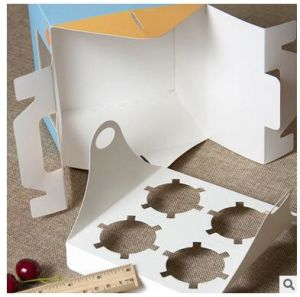 Custom Artpaper Handle Cake Box with PVC Window pictures & photos