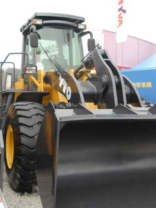 Front Wheel Loader (5tons) pictures & photos