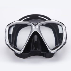 Anti-Mist Toughened Glass Diving Mask pictures & photos