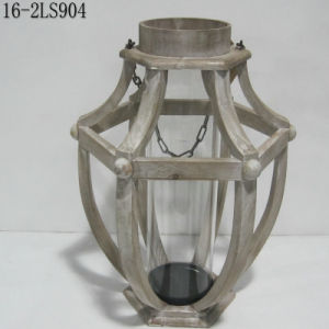 Shabby Vintage with Wooden or Flax Handle of Wooden Lanterns pictures & photos
