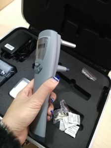Mce- Sw-500 China Ophthalmic Handle Rebound Tonometer, Cheapest Portable Tonometer pictures & photos