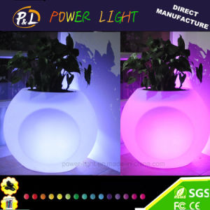 New Style Illuminated Plastic Garden Furniture LED Plant Pot pictures & photos