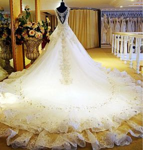 2017 Custom Size Train A-Line Bridal Wedding Dresses Rfl004 pictures & photos